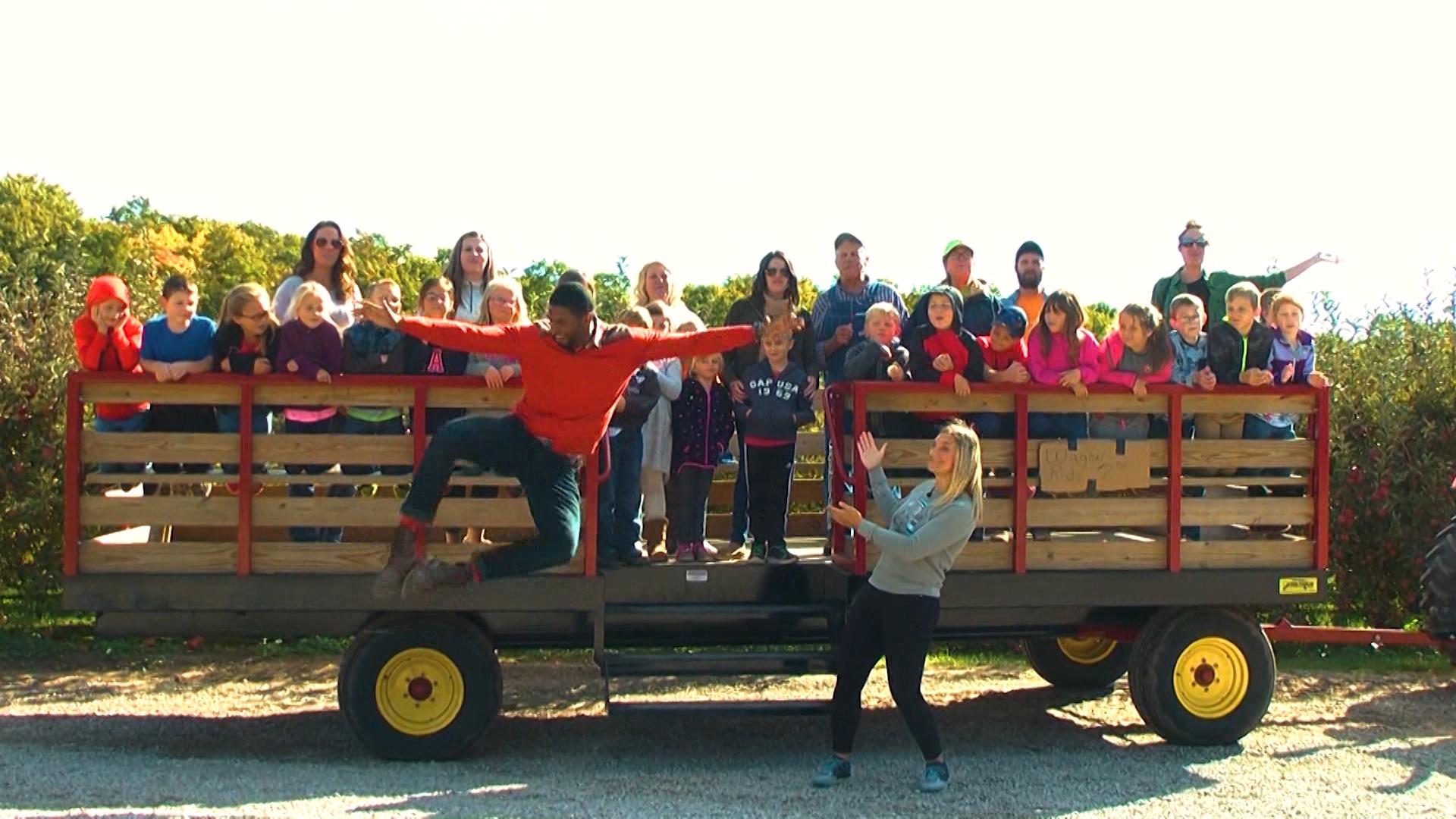 The Taste Of Fall At Knaebe S Apple Farm Field Trip Friday Wbkb 11