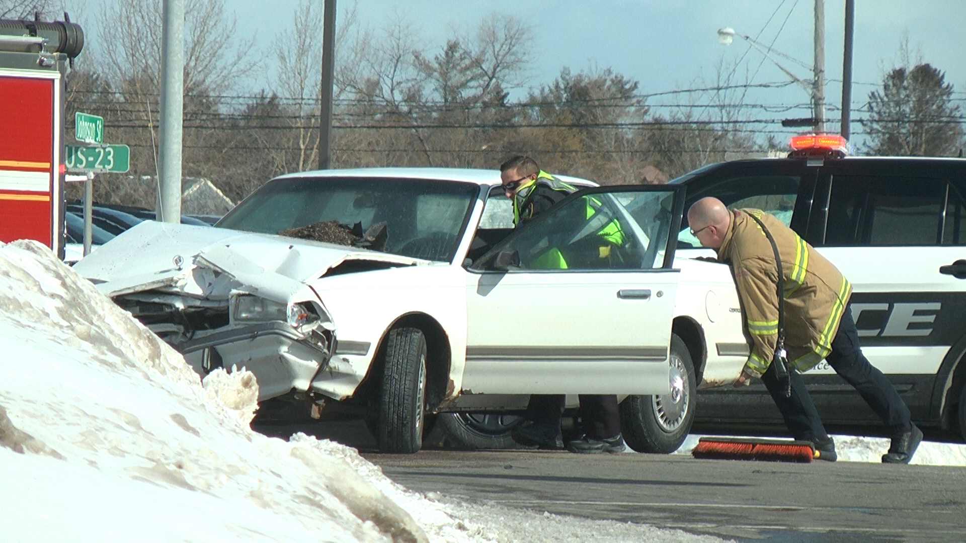 Car Accident Sends Three To The Hospital Wbkb11